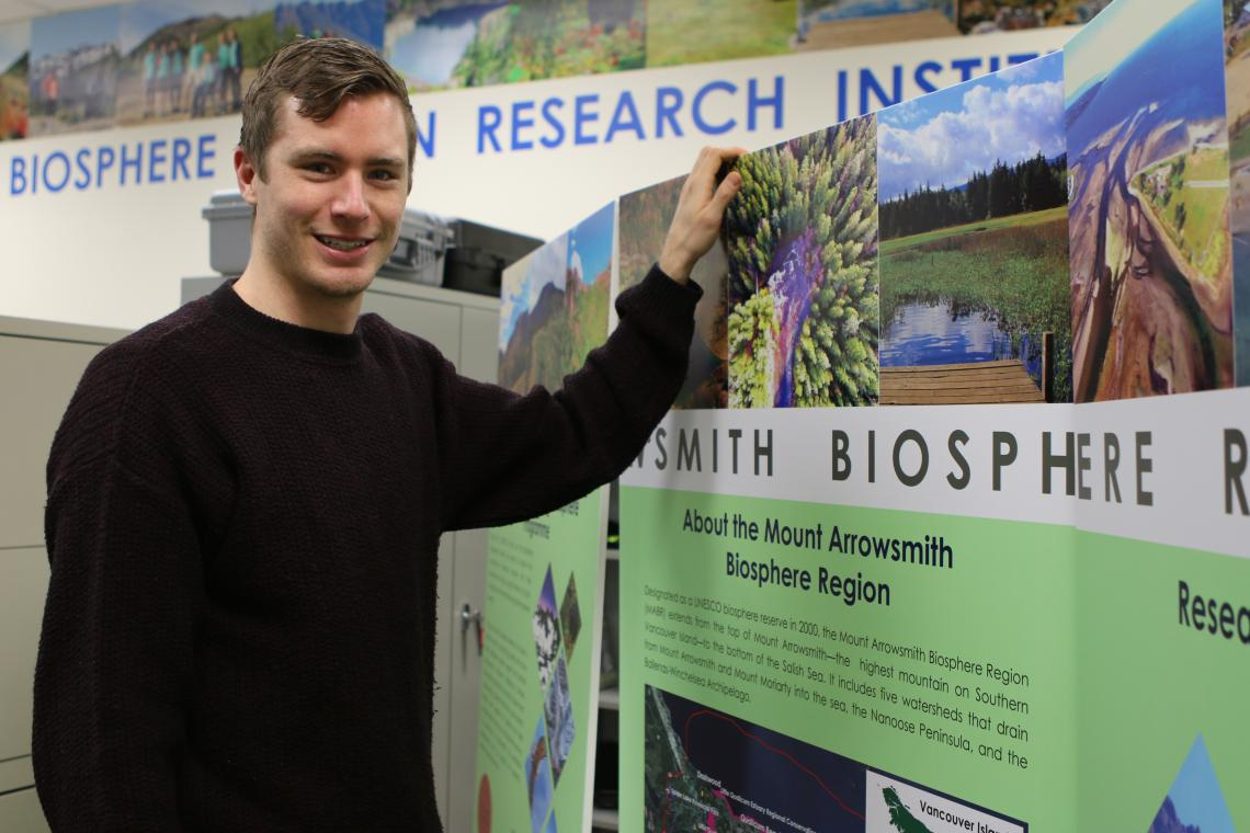 VIU Students showcase research projects.